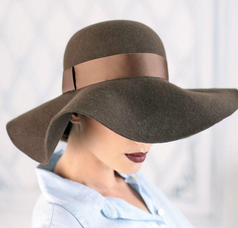 Фетровий жіночий капелюх