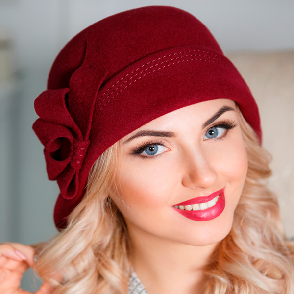 352  Женская фетровая шляпа Оливия