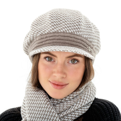 Комплект берет-кепі з шарфом